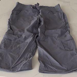 Lululemon cargo cropped pants, grey size 6